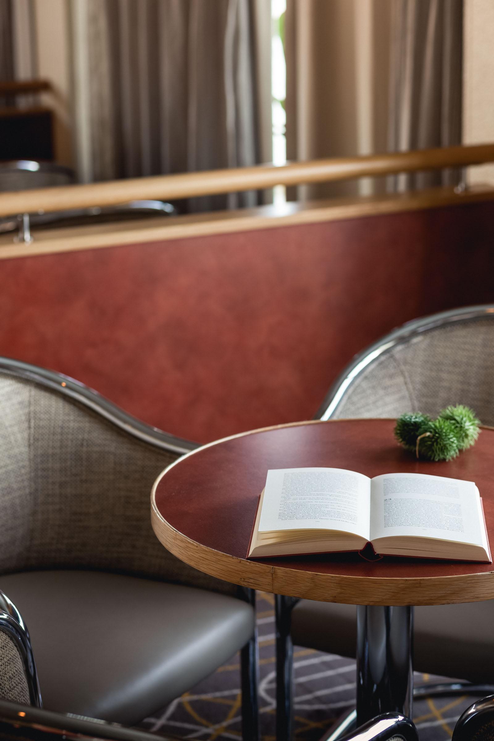 Panorama Lounge Image 3